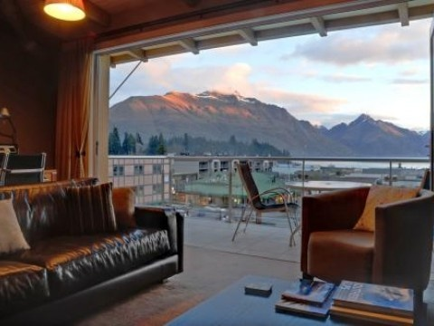 Chambers Penthouse, Luxury Apartment in Queenstown & Lakes, New Zealand | #AmazingAccom #holidayhomes