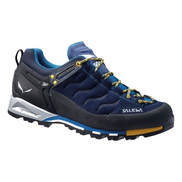Classic, low-cut shoe for via ferrata, technical hiking and trekking. The 360° full-rubber rand protects the hard-wearing nubuck upper from scuffs and scrapes. The waterproof, breathable Gore-Tex lining ensures dryness that lasts and a high level of comfo