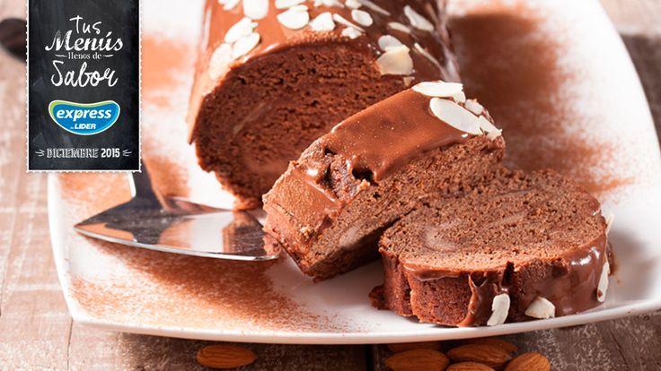 Tronco de helado de chocolate y almendras