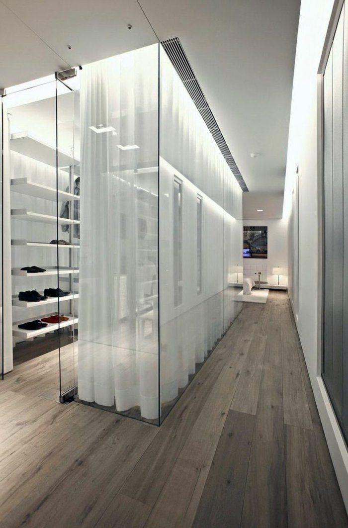 aménager un dressing, chambre dressign aux murs en verre