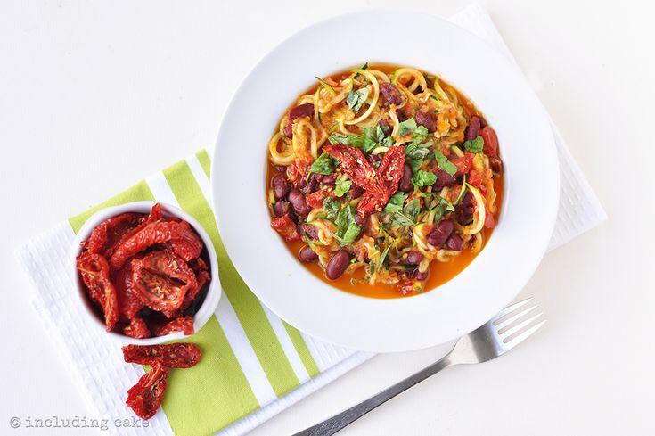 Double tomato courgetti spaghetti