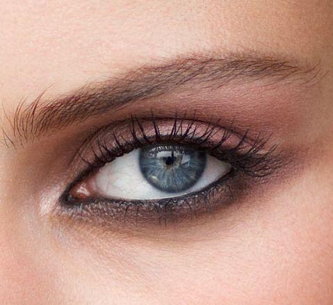 Inspiração express: olho simples e lindo  http://revista.vogue.globo.com/diadebeaute/2014/07/inspiracao-express-olho-simples-e-lindo/