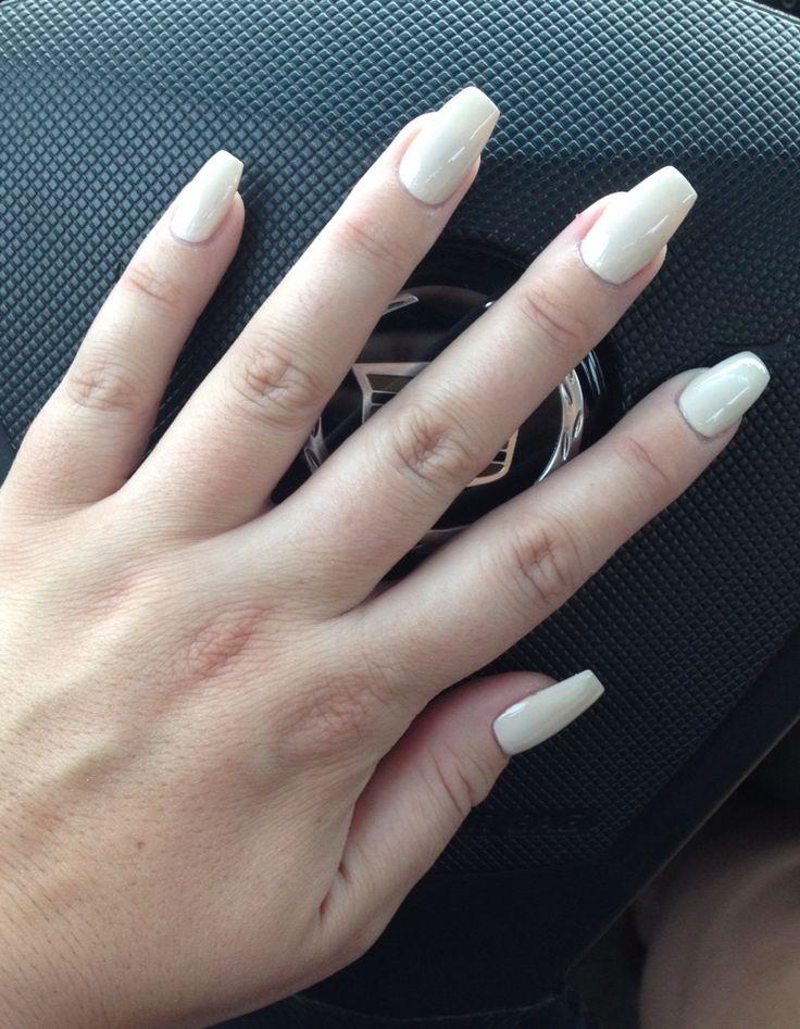 Short off-white coffin nails | White coffin nails