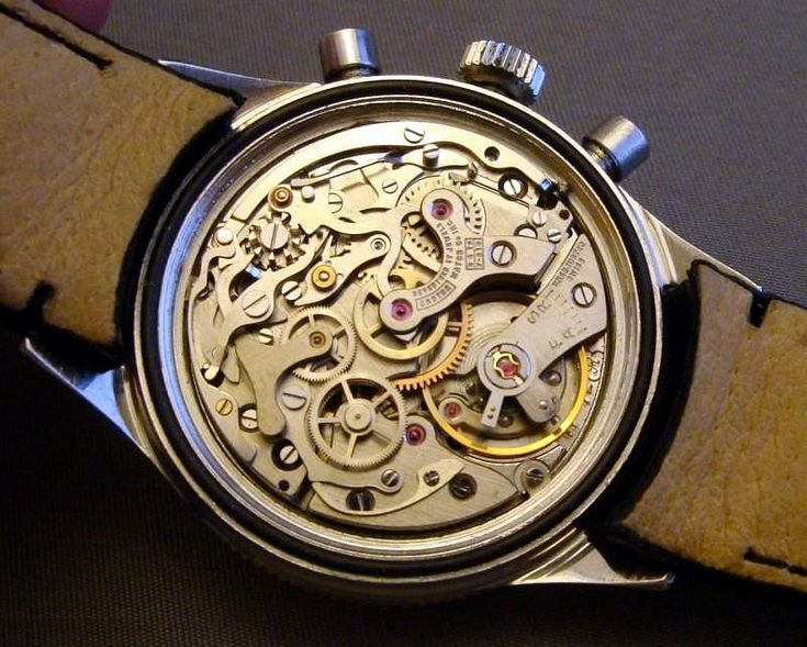 Movement: hand-wound Valjoux 72.