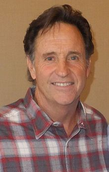 Robert Hays (born July 24, 1947) is an American actor,[1] perhaps best known for his role in the film Airplane![2] and for his role as Robert Seaver in Homeward Bound: The Incredible Journey.[1]