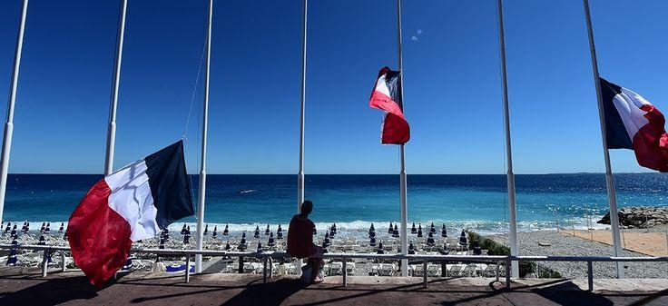Sur une plage de Nice, le 15 juillet 2016 |  GIUSEPPE CACACE / AFP