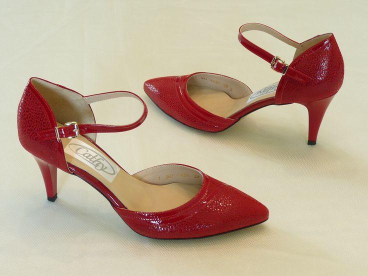 menyecske cipők