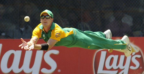 Dale Steyn - South Africa Paceman become Superman	Dale Steyn - South Africa Paceman become Superman and takes brilliant catch in Cricket World Cup match. A big fast bowler isn't supposed to sprint backwards and taking a superb diving catch, but try telling that to South Africa paceman Dale Steyn. : ~ http://www.managementparadise.com/forums/icc-cricket-world-cup-2015-forum-play-cricket-game-cricket-score-commentary/280546-dale-steyn-south-africa-paceman-become-superman.html