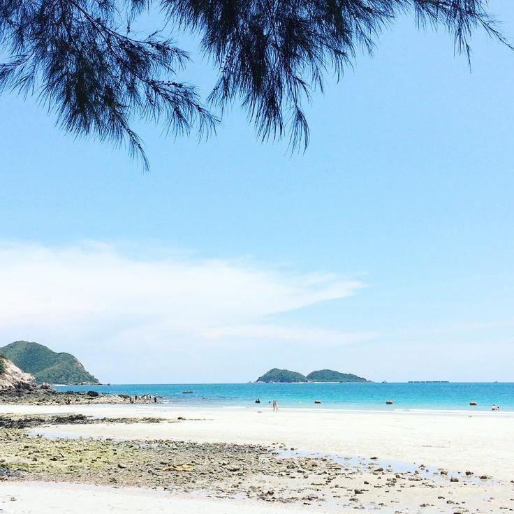 หาดน้ำใส:) #summer #holiday #rayong #thailand #sky#sea#instagram #instragood #instadaily #travel http://tipsrazzi.com/ipost/1504923350311413510/?code=BTij9BNgKcG