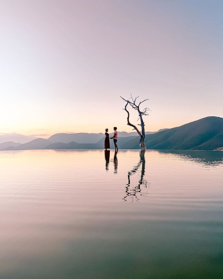 Gaby🇦🇷 & Camilo🇲🇽 | Eco travel (@planbviajero) • Fotos y vídeos de Instagram Relax, Instagram, Mountains, Beautiful, Nature, Pictures, Travel, Adventure Travel, Vacation Places