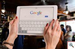 Fiecare dintre noi, detinem cel putin un smartphone, o tableta, un PC sau un laptop, pe care le utilizam atunci cand ne dorim sa navigam pe internet, pentru ca ne place sa recunoastem sau nu, in prezent, principala sursa de informatie si chiar de divertisment pentru toata lumea, este internetul. http://www.afacereazilei.ro/Extra/situatii-neplacute-pentru-utilizatorii-de-tablete.html