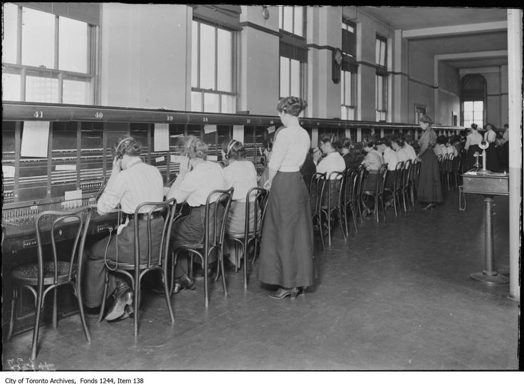 Women as telephone operators-City of Toronto Archives, Fonds 1244, Item 138.