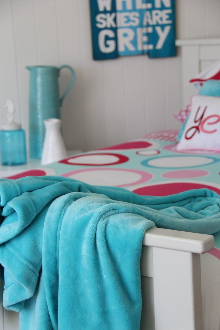 Aqua is stunninging fresh, with the Patersonrose fleece throw sprawled over the Zoe linen. #patersonrose #girlslinen #girlsrooms #girlsbedroomdecor #kidsduvet #kidsdecor #aqua #throws #zoe