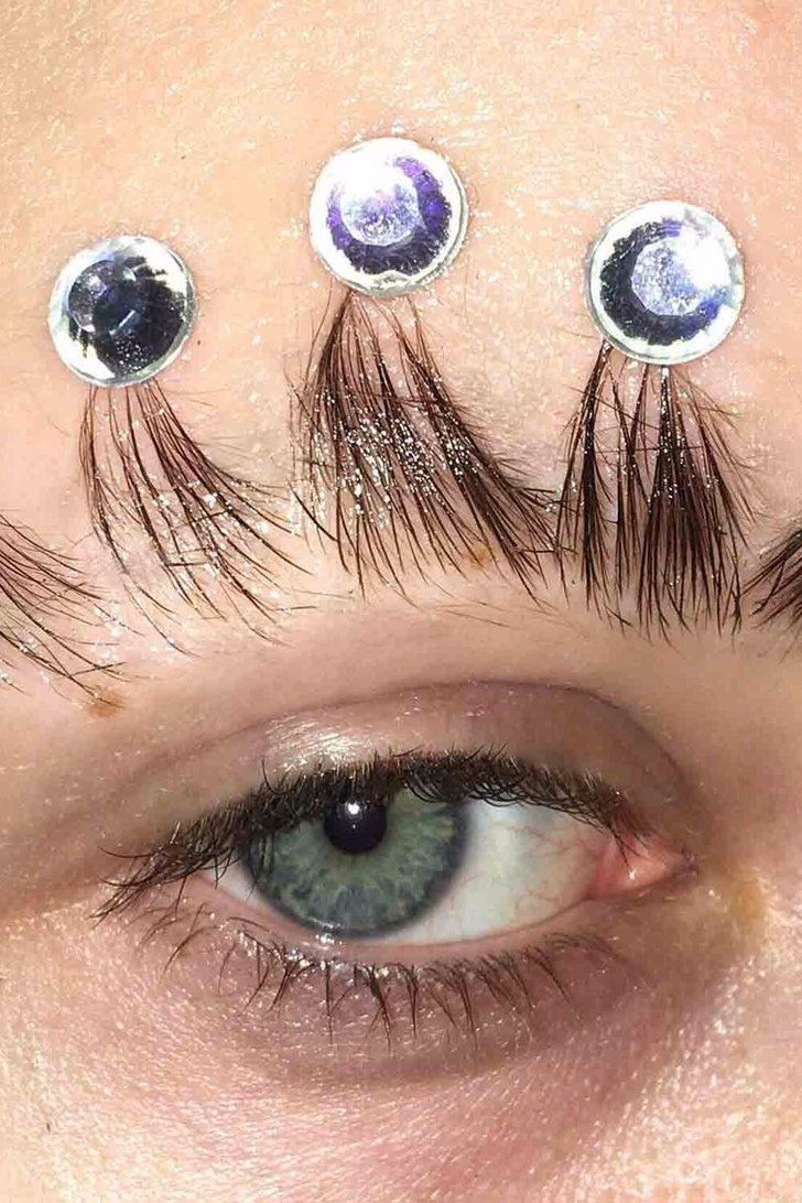 The Latest Eyebrow Trend to Hit Instagram Is Perfect For Drama Queens