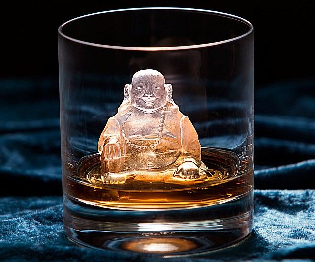 When life has you down, sit back and enjoy a cool drink courtesy of the Buddha ice mold. While his massive size helps keep your drink chilled for longer without watering it down, his jubilant expression reminds you to enjoy the little things in life - like alcohol.
