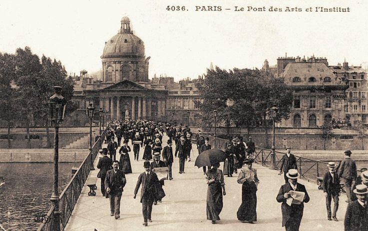 Les ponts du Paris d'antan Nous voici sur le pont des Arts, un jour d'été de 1888 bien ensoleillé... Une photo de Léon et Lévy (BnF).