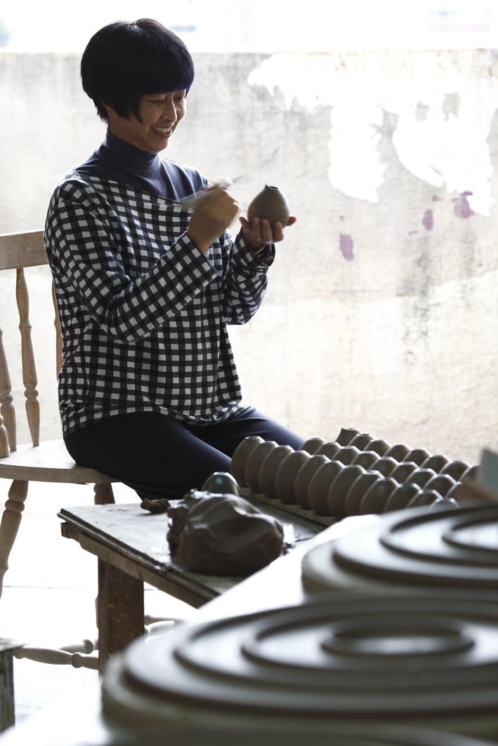 Kimi Nii, ceramista  -  Fot Evelyn Müller