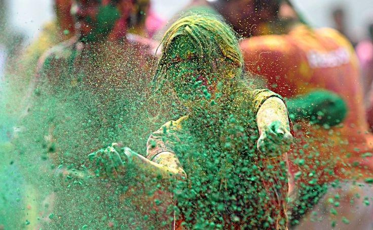 Hyderabad, India: 17 Amazingly Bright Pictures Of Holi Celebrations via @BuzzFeed