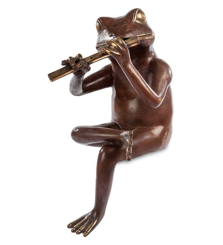 Фигурка «Лягушка с флейтой» 43-031 (бронза, о. Бали)   Бренд: Perunggu & Emas Nasional (Индонезия);    Страна производства: Индонезия;   Материал: Бронза;   Длина: 18 см;   Ширина: 23 см;   Высота: 35 см;   Вес: 1,8 кг;          #statuette #figurine #bronze #Indonesia #статуэтка #фигурка #бронза #Индонезия