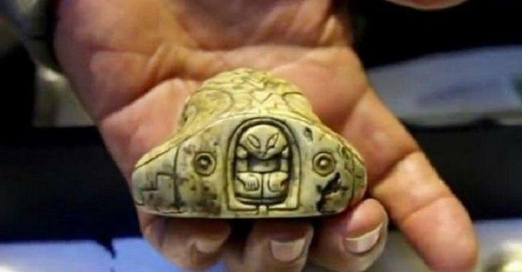 Рассекреченные мексиканском правительством некоторые артефакты, найденные в прошлом веке, доказывают, что космические пришельцы посещали нашу планету еще в глубокой древности. Многие из каменных предметов той далекой эпохи отображают планеты, видимо, те, откуда прилетели инопланетяне, их космические аппараты и даже самих пришельцев.  На протяжении почти полувека мексиканцы провинции Халиско собирали все эти фантастические предметы, принадлежащие далекому прошлому, дабы создать свой…