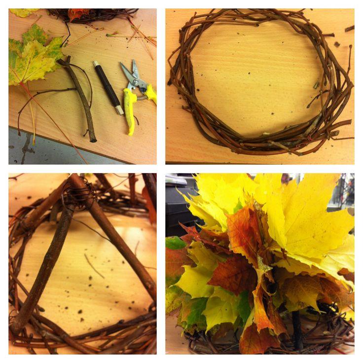 Krone laget av pinner, ståltråd, og løvblader. 15.10.2013