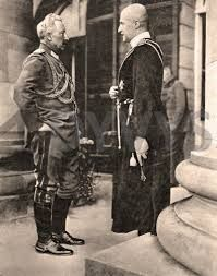 Skoropadsky with Kaiser Wilhelm II. The Hetmanate was supported by the Central Powers(Germany,Austro-Hungary,Ottoman Empire)to avoid the expansionism of the Bolshevic revolution to central europe after the fall of the Tsarist Russia.
