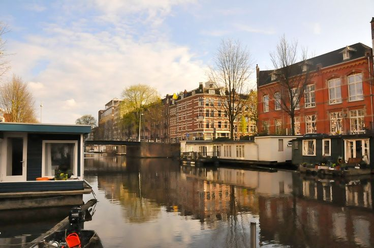 A CUP OF JO: Vacation photos: Four days in Amsterdam in the Spring, houseboat rental.