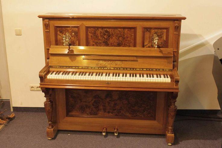 Ein Klavier ist ein teures Instrument. Deshalb sollten Sie es einmal im Jahr von einem erfahrenen Klavierbauer überholen lassen. Klavier-Service bei Musik Wittl.