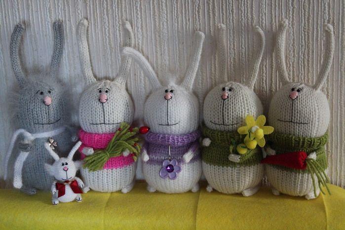 Мои зайцы тут http://www.liveinternet.ru/users/yakusha/post261518108/ Игрушки по мотивам робот Тани Оробец. Ее оригинальные работы здесь http://www.russiancreators