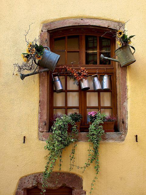 Fenêtre de Riquewihr, Alsace, France