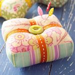 50 DIY crafts to make with excess fabric: http://tipnut.com/scrap-happy-fabric-scrap-ideas-free-patterns/