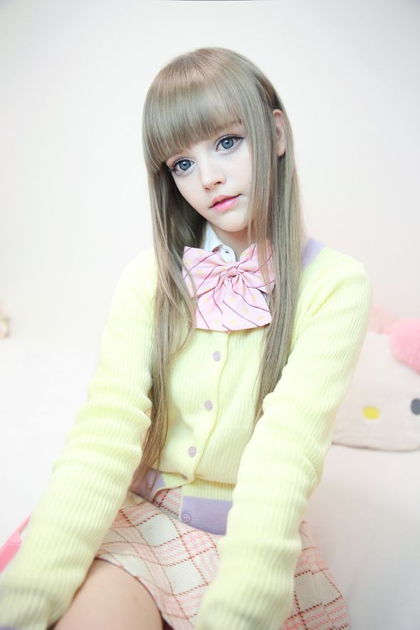 doll-teen-model