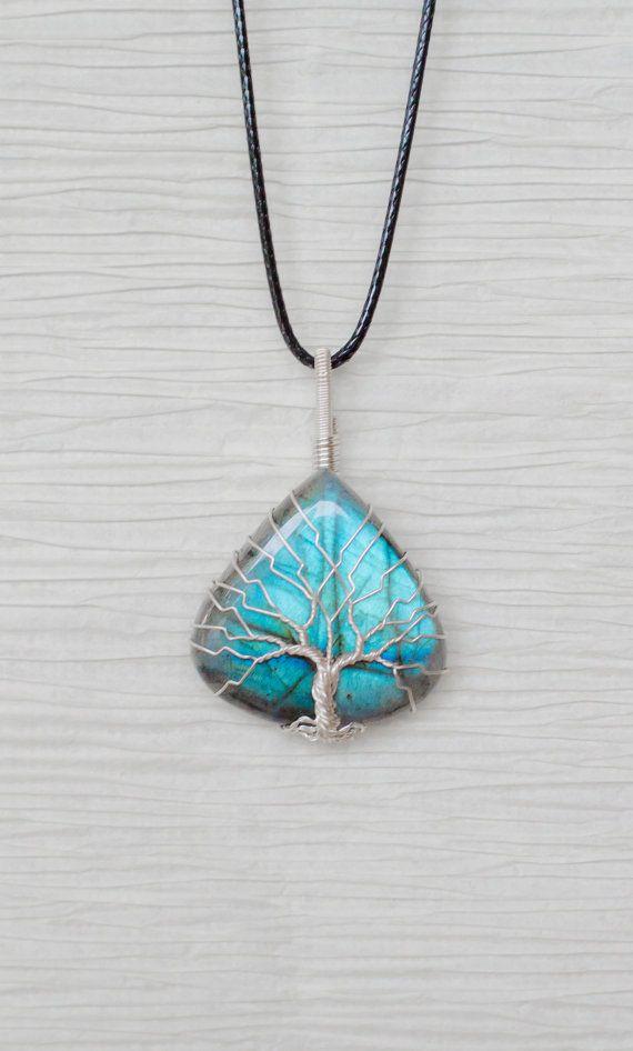 Arbre de vie fil enroulé pendentif en pierre naturelle Labradorite bleue