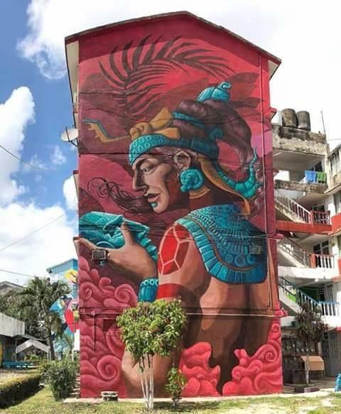 Mural de la Reina Roja de Palenque Chiapas, esta obra de arte está en Tabasco. Artista: Amauri Esmarq.