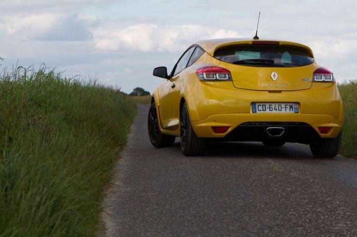 Essai réussi pour la Renault Mégane R.S. 2012 à lire sur le Garage des Blogs. Et pour voir nos offres de Renault Megane : http://www.autobernard.com/annonces-auto/marque/renault/modele/megane