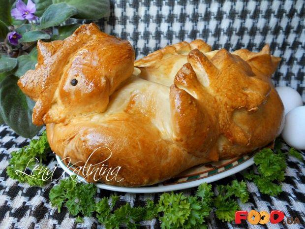 Фаршированный цыпленок, запеченный в тесте