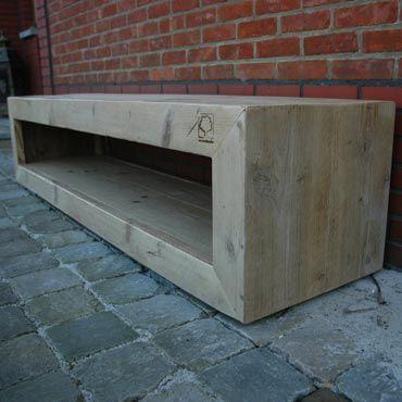 TV meubel 2 op wielen in gebruikt steigerhout Rawcreations