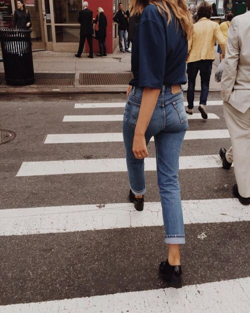 LEVI'S: The 501 vintage jean is for a pear-shaped or hourglass-shaped body. has anti-fit properties: it's not a fitted style, and a fuller figure fills out the jeans. It's also cut with a little more room in the thigh, a great choice for those with fuller thighs.The 505 is great for women with fewer curves through the seat and hips and slender legs. It has a lower rise than the 501, is a bit more square on the top, and has a slim, straight fit from the thigh to the ankle. It also has a zip…