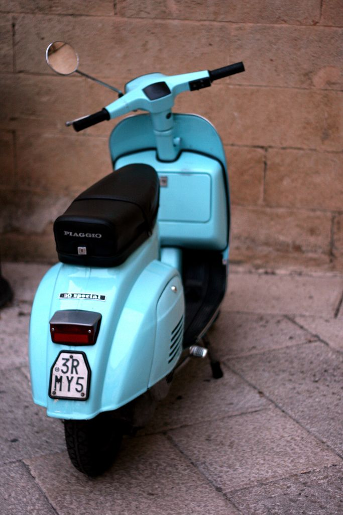 Blue Vespa 50 special