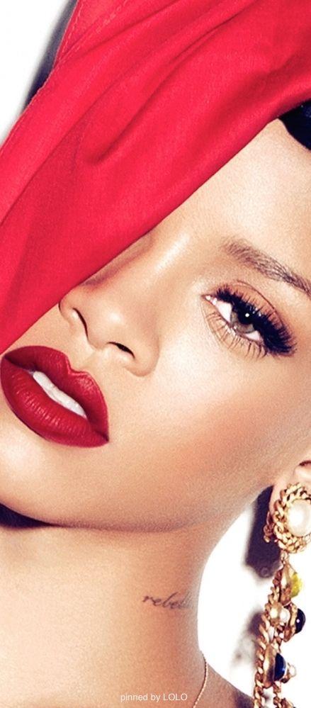 Rihanna for M•A•C