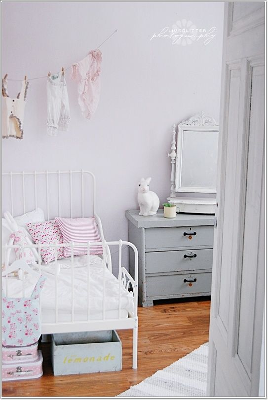 www.mommo-design.blogspot.com  6 sweet girls rooms