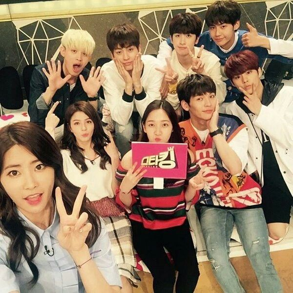Dani, Cathy, Shannon and UP10tion at SBS Star King (1)