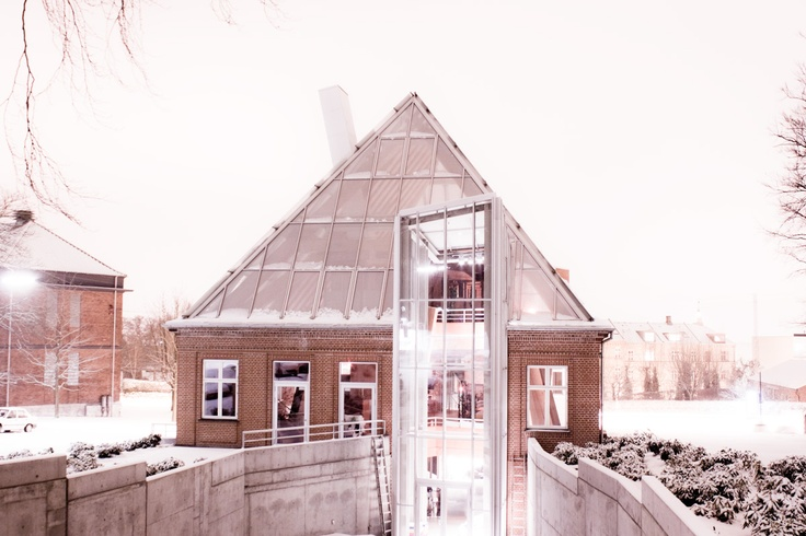 Counceling Center (Hejmdal)  Danish Cancer Society by Frank Gehrys  Aarhus, Denmark