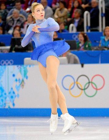Sotchi: les photos les plus dingues des jeux Olympiques - ELLE. Et oui une nana qui fait du hockey moi je trouve ça trop stylé ;-)