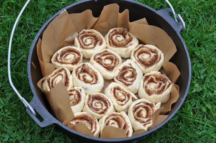 """Cinnamon Rolls im 12"""" Dutch Oven Zimtschnecken aus dem Dutch Oven - Cinnamon Rolls-Zimtschnecken-CinnamonRolls04"""