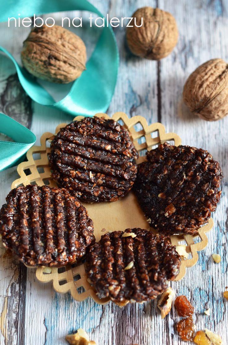 Łatwiej być nie może, choć już pewnie pisałam to na tej stronie wiele razy:)  Ciasteczka owsiane bez pieczenia, zdrowszy od sklepowych łakoć...