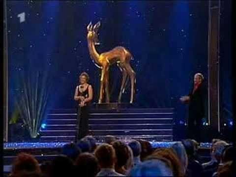 Sandra Bullock spricht Deutsch, Sandra Bullock speaks german - http://hagsharlotsheroines.com/?p=11022