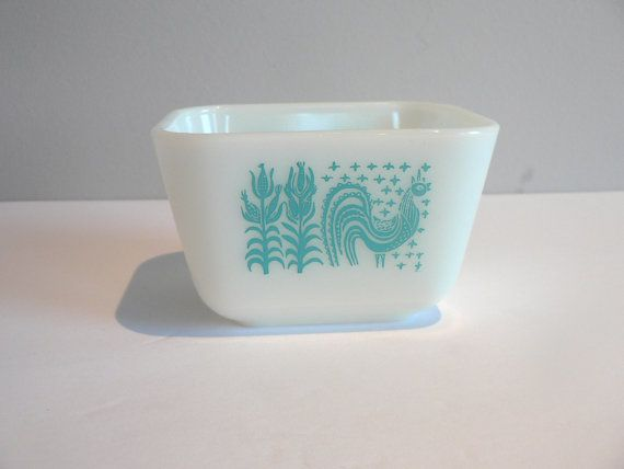 Small Rectangular Pyrex Bowl
