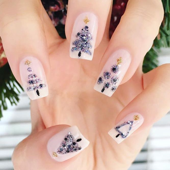 Check out the most fabulous holiday nails ideas that are fun to look at.