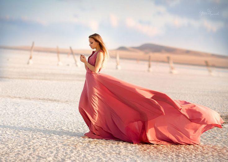 Devushki V Pustyne Foto Poisk V Google Beach Photoshoot Portrait Shots Glamorous Style
